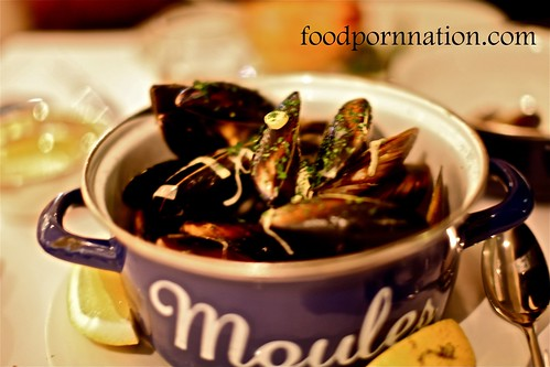 Spring Bay Mussels, Champagne, Cream, Leeks $ 28