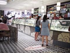 Brunetti's Singapore, Tanglin Mall