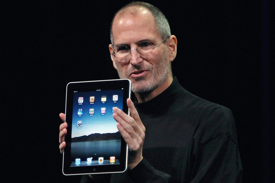 Steve Jobs con la iPad en 2010
