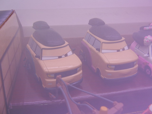 disney store cars 2 travelin' through tokyo diecast set (5)