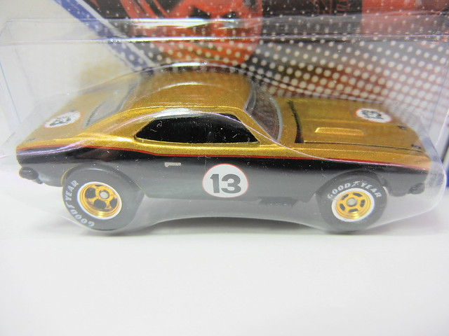 hot wheels vintage racing smokey yunick's  '67 camaro (2)