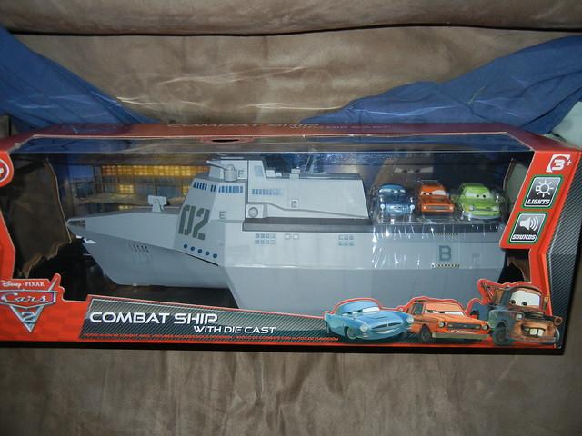 disney store cars 2 combat ship case (1)