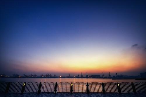 Tokyo Bay at Sunset by hidesax