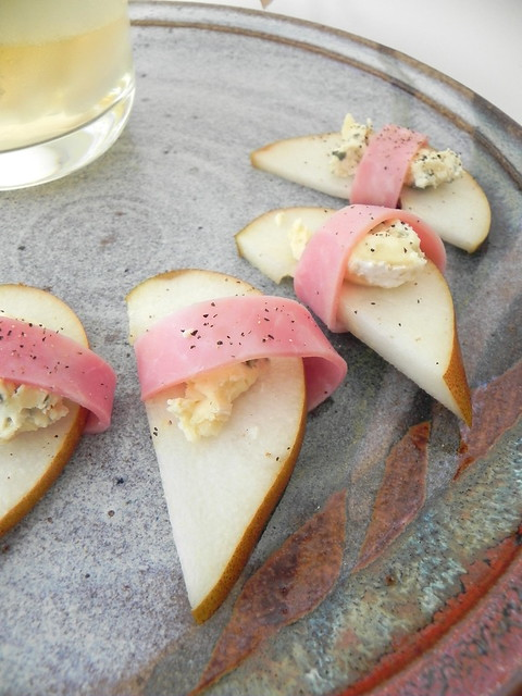 Pear, Blue Cheese, Ham Bites