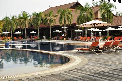 Club Med珍拉汀灣:游泳池畔、mini club表演秀(7.2ys)