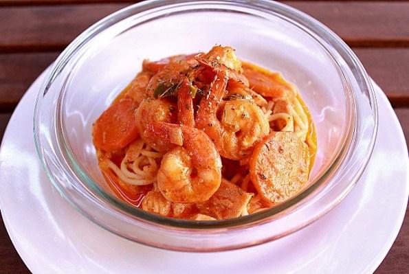 spaghetti creamy napolitana