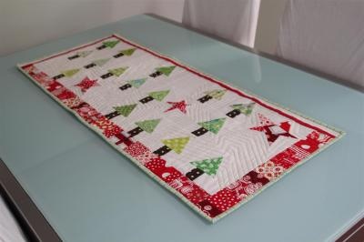 Christmas Table Runner completely finished...