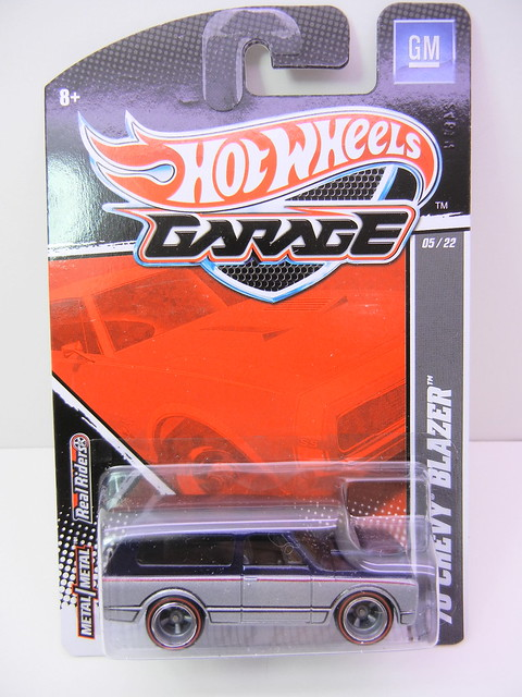 hot wheels garage '70 blazer (1)