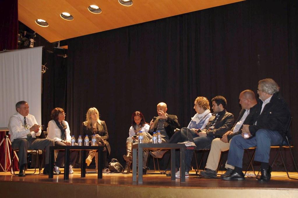 Panel de Bloggers Vanguardistas del País Vasco con el objetivo de debatir sobre la oportunidad, conveniencia y finalidades de crear - si así se acuerda posteriormente- una Asociaciación Vasca de Bloggers - Euskadiko Bloggeren Elkartea.