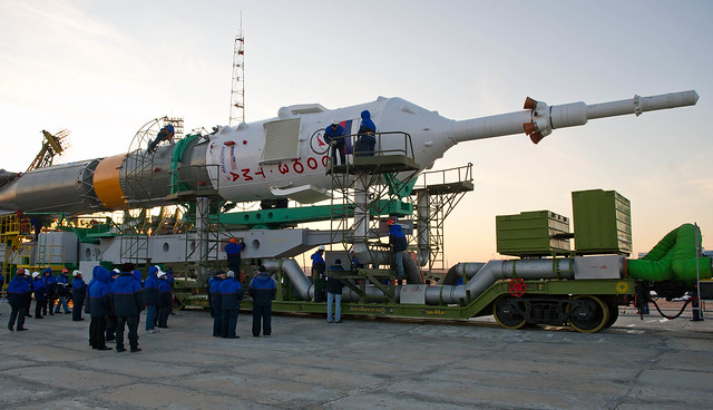 Expedition 29 Soyuz Rollout (201111110011HQ)
