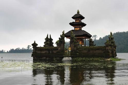 Ulun Danu temple II