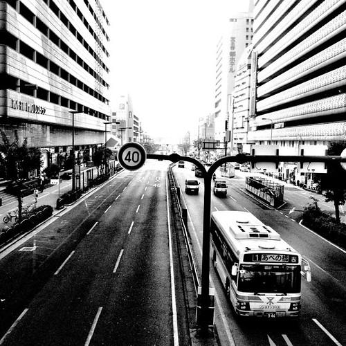 あべの橋。 #bus #bwlove #iphonography #instagram