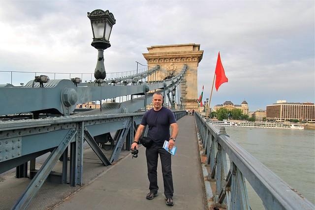 Marc et le pont à chaînes, Budapest, Hongrie