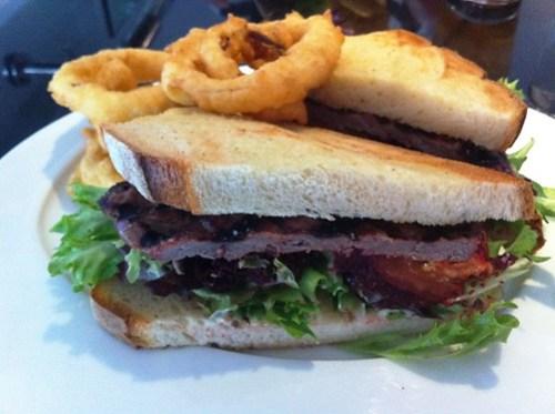 Steak Sandwich & Onion Rings, XO Lounge
