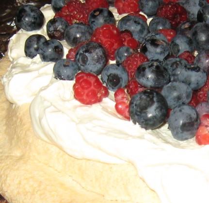 raspberry and blueberry pavlova