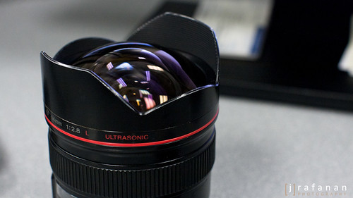Canon EF 14mm f/2.8L, Lens