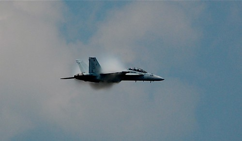 F-18, Condensation Shock Wave