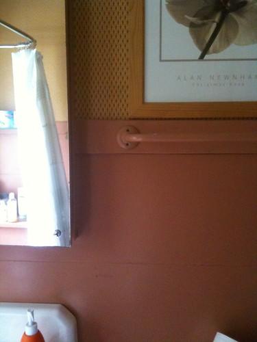 wallpaper! pink walls!