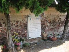 Targa caduti Partigiani cimitero Vercelli