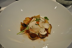 Slow poached hen egg, cèpes, apricot chutney