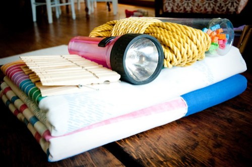 {how to} build a fort kit
