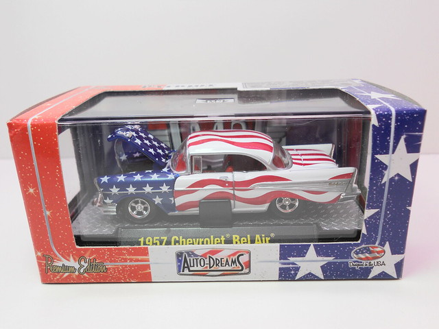 m2 auto dreams patriot release boxed 1951 studebaker 2r truck red white n blue (2)