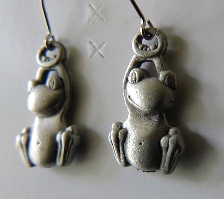 frog earrings (close)