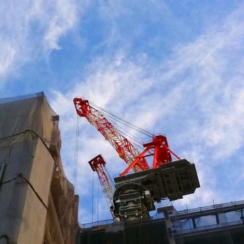 久々にクレーンでもいかが! #crane #sky #iphonography #instagram
