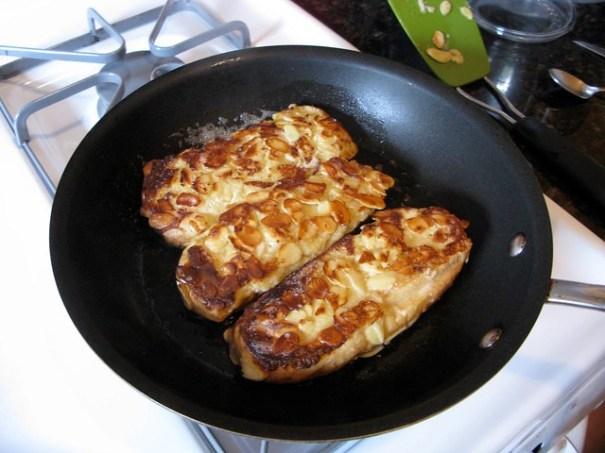 cookfrenchtoastinpans