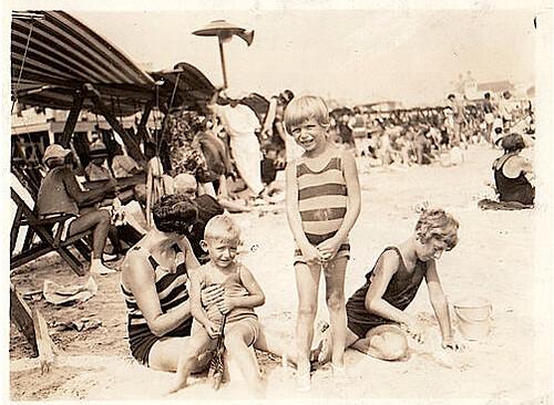 1920s Woman & Kids