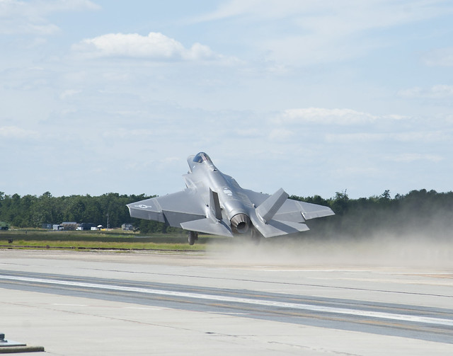 First F-35C catapult launch