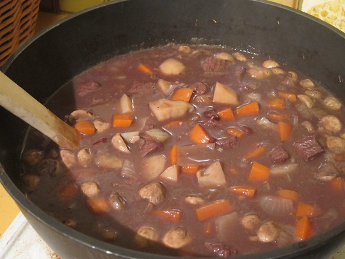 Beef in red wine with lots of veggies