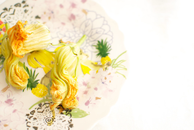 flores de calabacin con ricota