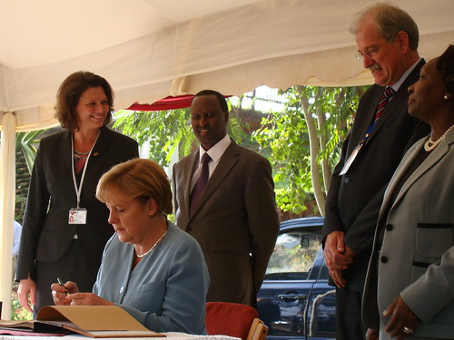 Merkel visits ILRI Nairobi: The Chancellor signs ILRI's visitors' book