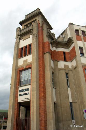 Torre del colegio de los Escolapios vista la calle Leire.