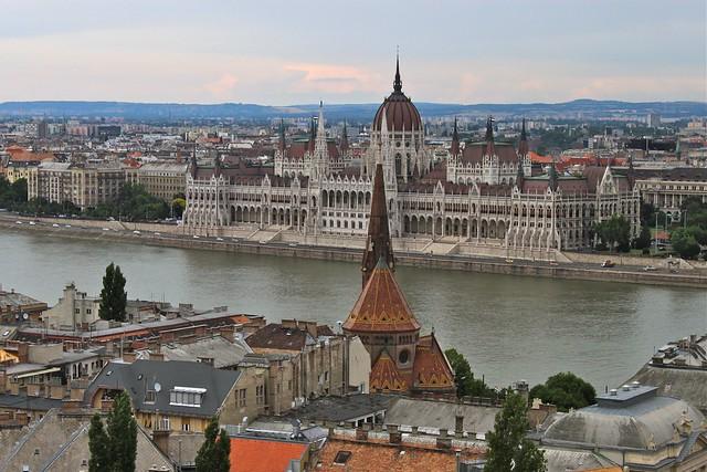 Le parlement et le Danube, Budapest, Hongrie