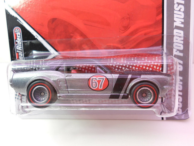hot wheels garage custom '67 ford mustang coupe (2)