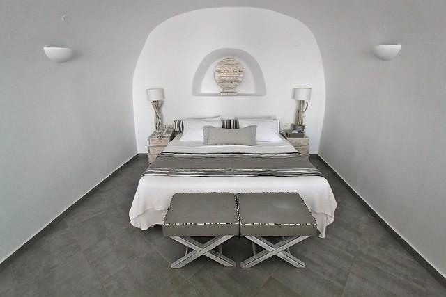 Chambre à coucher de l'hôtel San Antonio, Santorin, Grèce