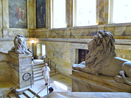 Staircase lions