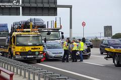"""Autotransporter """"wirft"""" Neuwagen ab A66 Diedenbergen 11.08.11"""