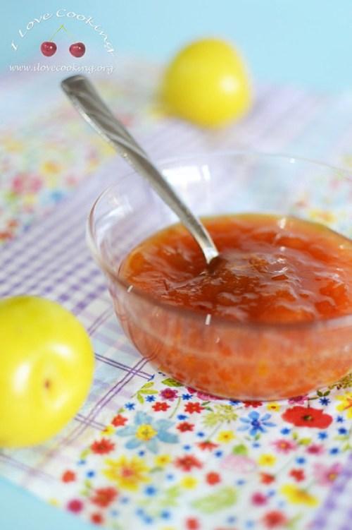 confettura-di-prugne-al-profumo-di-limone-e-marsala