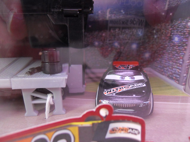 Disney CARS Nitrioade Hauler n Pitty Set (3)