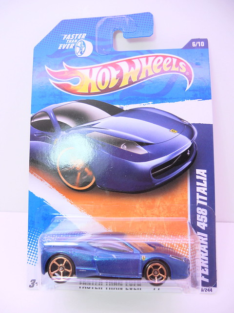 hot wheels ferrari 458 italia blue (1)