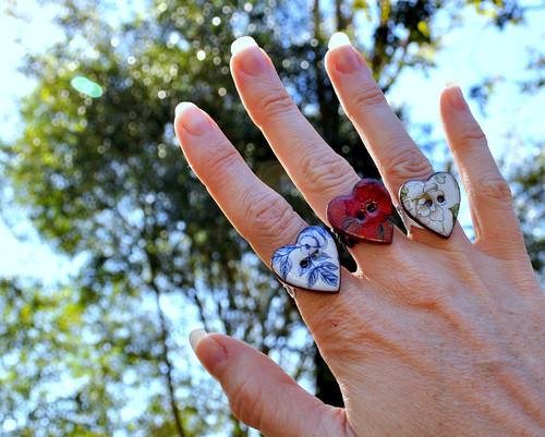 V&A Ceramic Button Rings