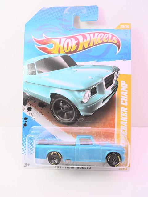 hot wheels '62 studebaker champ blue (1)