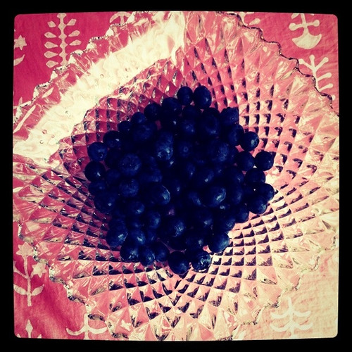 Happy Thing: Blueberries in a Fancy New-Old Bowl