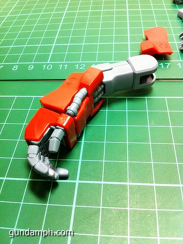 MG Rick Dias Quattro Custom RED Review OOB Build (20)