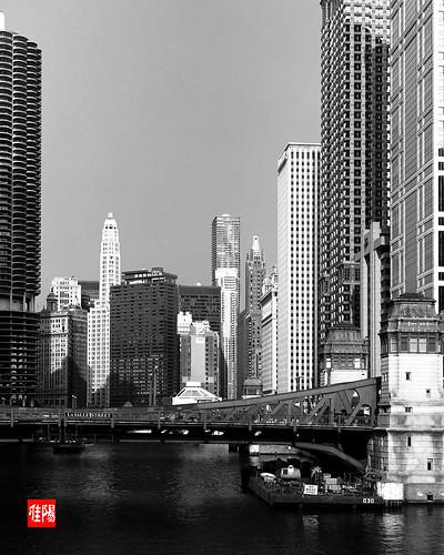 ZecaBettax CHI PanF+ ChicagoRiverE02B