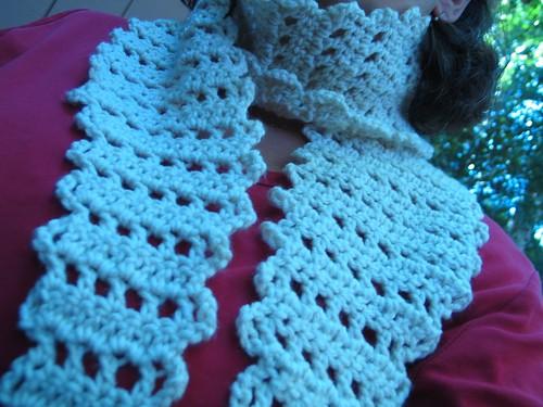 very not tiny scarf
