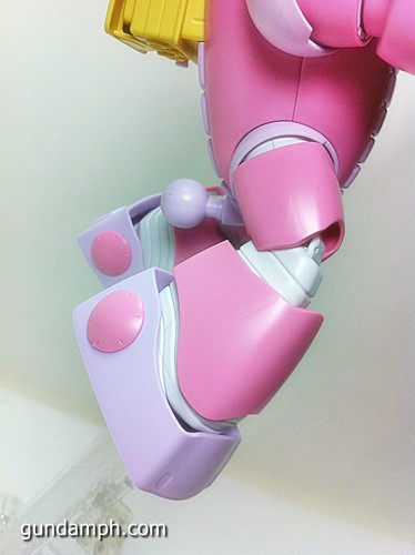 144 HG GB Pink Bearguy Gundam Expo Limited Edition (40)